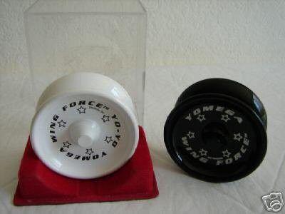rare-yomega-wing-force-black-white-set-yo-yo_1_5e85817b04af022c62e106c31e0bc465